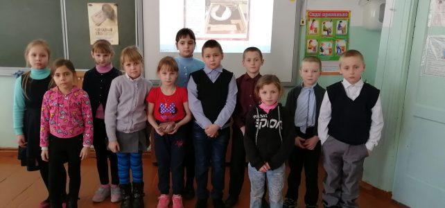 28.01.2020 г. В школе прошла акция «Блокадный хлеб».